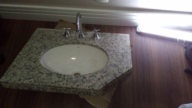 Balcao com cuba e granito para banheiro vazlon brasil for Como se vende el granito