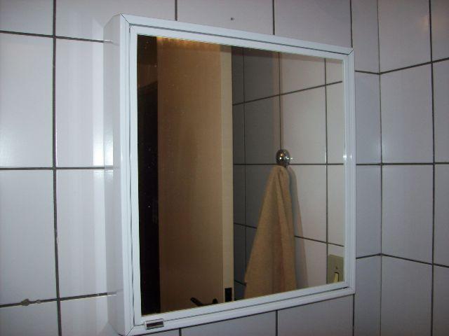 armario de banheiro cris metal novo na embalagem  Vazlon Brasil -> Armario De Banheiro Com Espelho Crismetal