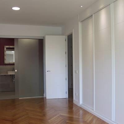 Movel para ambientes diversoscom porta laqueada vazlon - Distribuir armario empotrado ...