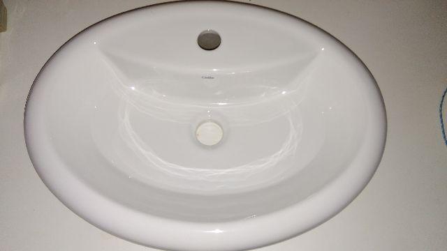 pia de banheiro com pe celite nunca usada  Vazlon Brasil -> Cuba Banheiro Celite