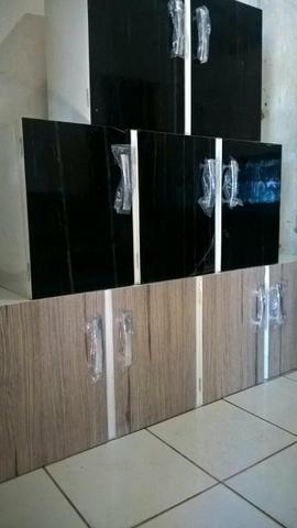 2 armarios de parede em mdf com acabamento em perfil for Todo armarios