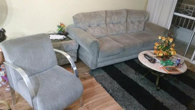 Ofereco sofa estilo capitonee e poltrona individual no for Poltrona cama individual