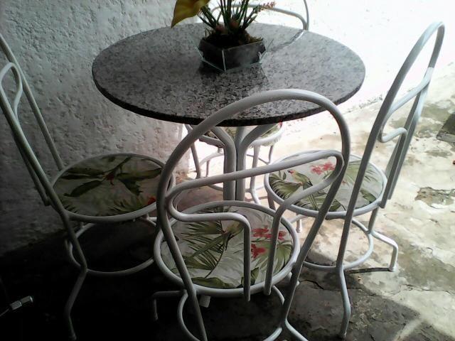 Mesa redonda de granito de 4 cadeiras vazlon brasil - Mesa de granito ...
