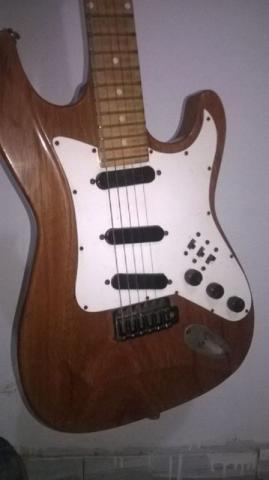 Guitarra de luthier muito top vazlon brasil for Guitarras de luthier