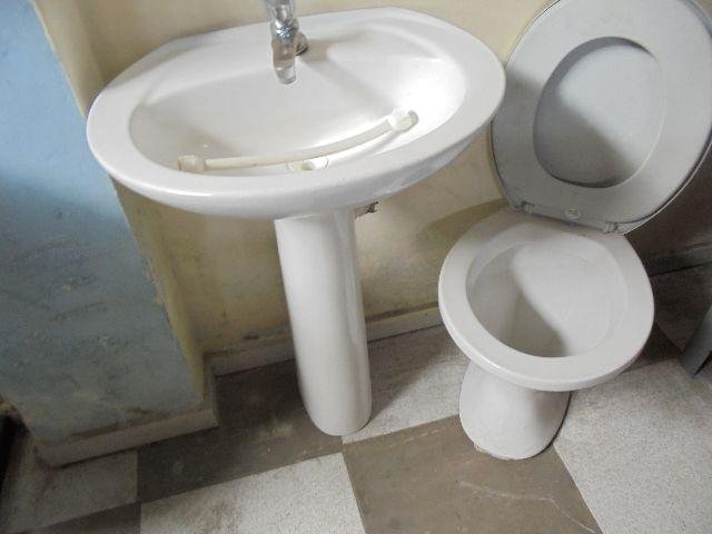 porta de banheiro e jogo de loucas  Vazlon Brasil -> Jogo De Banheiro Pia E Vaso