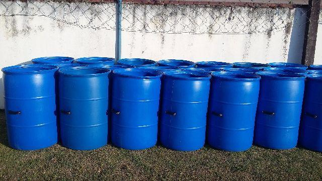 Lixeira plastico 200 litros com alca para condominios for Tambores para agua