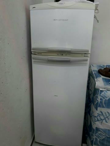 Motor geladeira esquentando muito