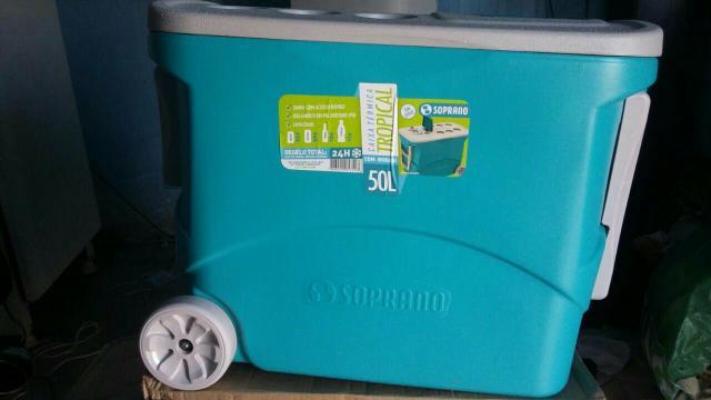 4e55aff7b caixa termica tropical com rodas 50l azul   OFERTAS