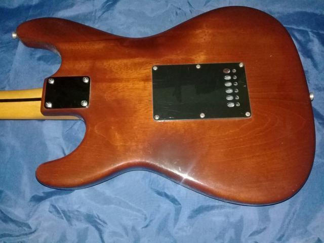 Guitarra feita a mao luthier ofertas vazlon brasil for Guitarras de luthier