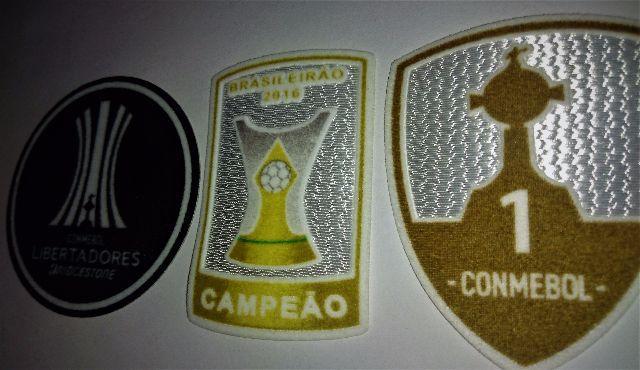 a8049b5439 ... Umbro Camisa Camiseta Do Grêmio Torcedor Oficial + Frete. Patch  libertadores
