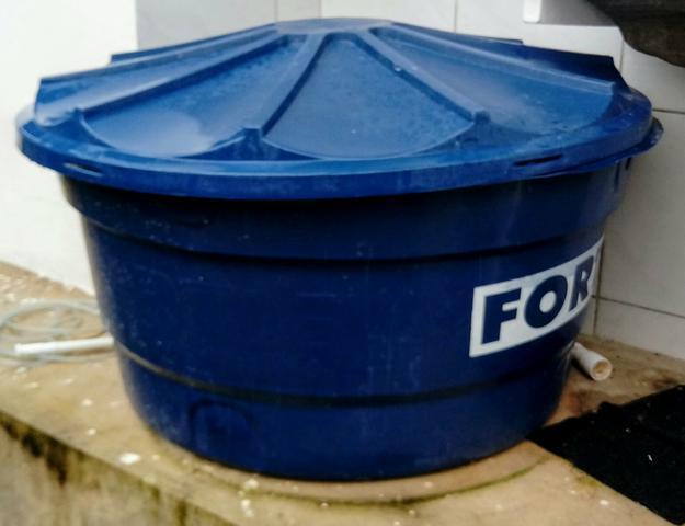 Caixa ou piscina fortlev litros semi nova vazlon brasil for Piscina 500 litros