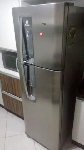 f37b66a0f ... 380 L - Inox. Geladeira Electrolux Duplex Frost Free com Dispenser de