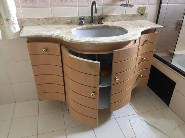 bancada em formica branca  Vazlon Brasil -> Gabinete De Banheiro Travertino