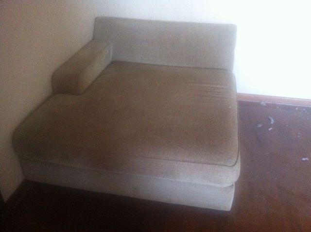 Sofa 2 lugares chaise chenille bege ofertas vazlon for Sofa 02 lugares