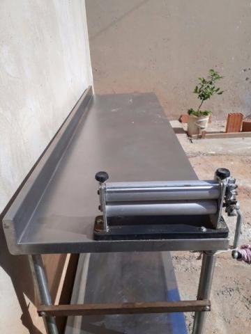 Mesa de manipulacao alimentos em aco inox ofertas for Mesa 2 metros comensales