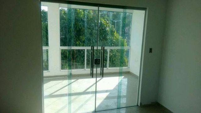 Torro porta de correr 4 folhas vidro temperado 8mm for Porta 4 folhas de vidro temperado